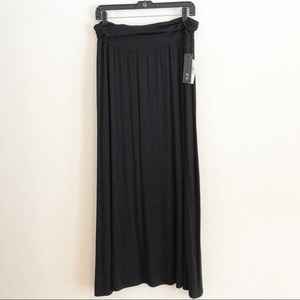 AGB black knit maxi skirt. Size XL NWT